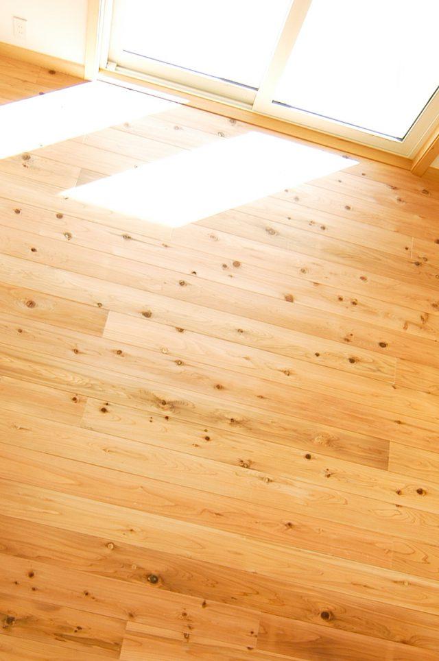杉材 無垢の床